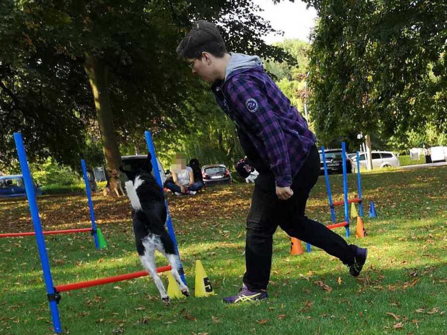 Hundetrainer, Hundepsychologe und Dogcoach der Hundeschule Traum-Hunde in Gladbeck beim Fun-Agility